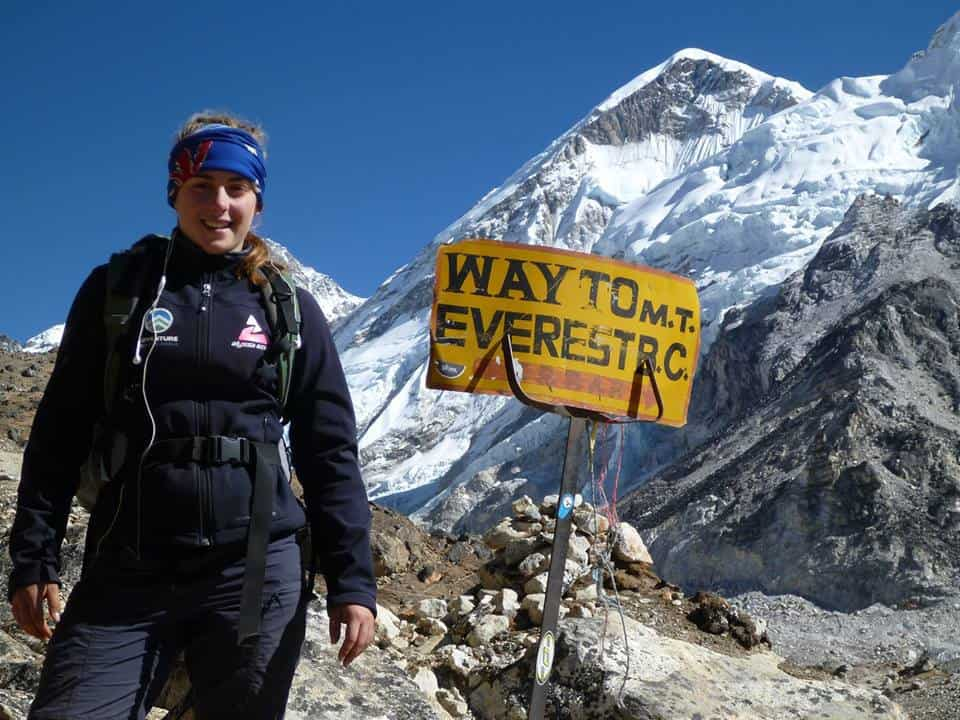Alyssa Azar wearing a Orginal Buff® as ear-warmer in front of Mt. Everest